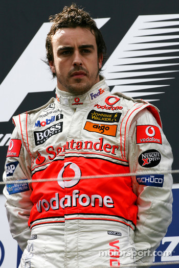 Podium: race winner Fernando Alonso
