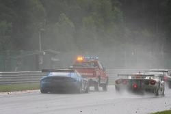 #33 Jetalliance Racing Aston Martin DBR9: Karl Wendlinger, Ryan Sharp, Lukas Lichtner-Hoyer, Robert Lechner behind tow truck