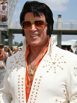 Elvis in the building