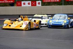 #19 Chamberlain-Synergy Motorsport Lola B06/10-AER: Gareth Evans, Bob Berridge, Peter Owen