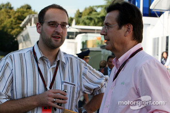 Christian Elsaesser talks with Hans Mahr, Manager of Ralf Schumacher