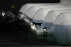 Refuel tanks