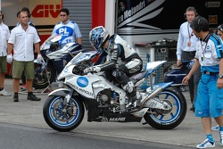 Shinya Nakano changes for his dry tires bike