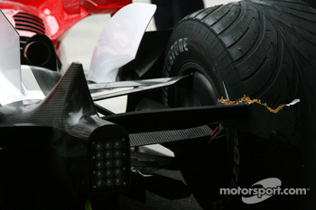 Damage to the car of Ralf Schumacher, Toyota Racing
