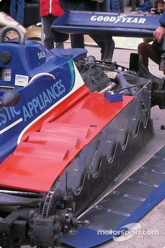 Side skirts on Derek Daly's Tyrrell