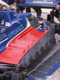 Side skirts on Derek Daly's Tyrrell