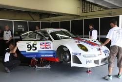 #95 James Watt Automotive Porsche 997 GT3 RSR