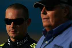 Casey Mears talks with owner Rick Hendrick