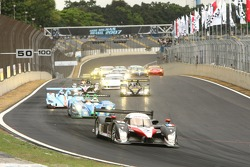 Start: #7 Peugeot Total Peugeot 908 HDI FAP: Marc Gene, Nicolas Minassian leads the field