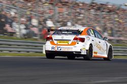 Tony Gilham, RCIB Insurance Racing Toyota Avensis