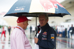 Niki Lauda, Mercedes Non-Executive Chairman met Dr Helmut Marko, Red Bull Motorsport Consultant
