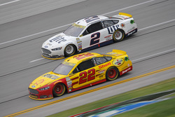 Joey Logano, Team Penske Ford and Jeff Gordon, Hendrick Motorsports Chevrolet and Brad Keselowski, Team Penske Ford and Jimmie Johnson, Hendrick Motorsports Chevrolet