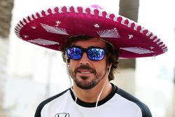 Fernando Alonso, McLaren wearing a sombrero