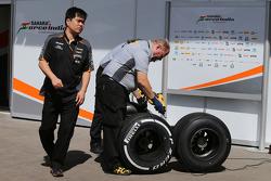 Jun Matsuzaki, Sahara Force India F1 Team Senior Tyre Engineer with Pirelli tyres