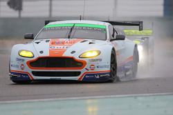 奥斯顿马丁车队98号阿斯顿马丁Vantage GTE赛车:保罗·德拉·拉纳、佩德罗·拉米、马蒂亚斯·劳达