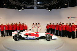 Jarno Trulli, Timo Glock and Kamui Kobayashi pose with the new Toyota TF108