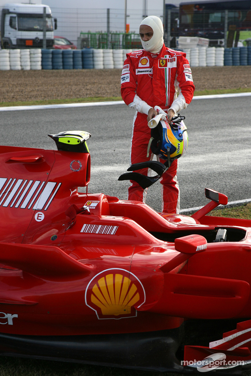 Felipe Massa, Scuderia Ferrari, F2008, stops on circuit