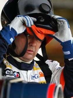 Renault F1 Team, mechanics prepare for pitstops