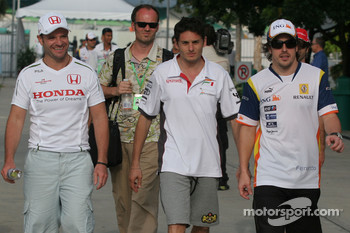 Rubens Barrichello, Honda Racing F1 Team, Giancarlo Fisichella, Force India F1 Team and Fernando Alonso, Renault F1 Team