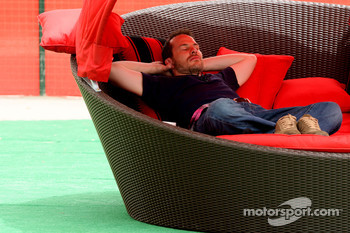 Jacques Villeneuve, Former F1 World Champion sleeping