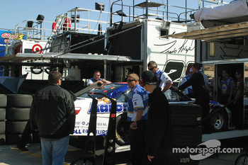 Michael McDowell's crew unloads his back up car