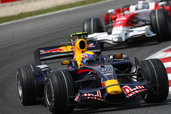 David Coulthard, Red Bull Racing, RB4 leads Jarno Trulli, Toyota Racing, TF108
