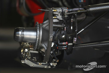 McLaren Mercedes, MP4-23, Brake and suspension detail