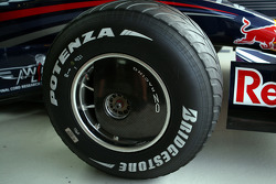 Red Bull Racing, front wheel cover