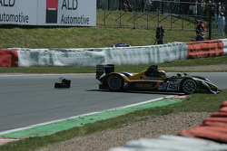 #45 Embassy Racing WF01 - Zytek: Jonny Kane, Warren Hughes decides not to rejoin immediately after impact at Malmedy but pulls onto the grass for assistance