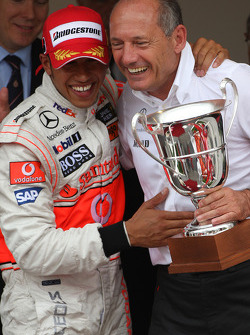 Winner, 1st, Lewis Hamilton, McLaren Mercedes, MP4-23 and Ron Dennis, McLaren, Team Principal, Chairman