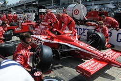 Dan Wheldon's pit crew practicing pit stops
