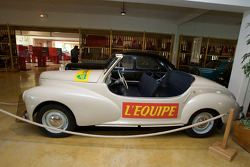 Vintage coverage car for l'Équipe