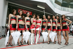 The lovely Denso and Aston Martin girls