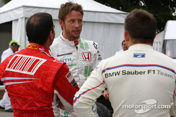 Jenson Button, Honda Racing F1 Team talks with Marc Gene, Test Driver, Scuderia Ferrari and Christian Klien, Test Driver, BMW Sauber F1 Team