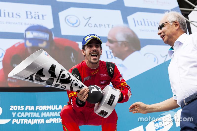冠军卢卡斯·迪格拉西,奥迪Abt车队