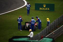 费尔南多·阿隆索,迈凯伦车队,看马修从赛道移走迈凯伦MP4-30