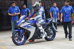 Jorge Lorenzo, Yamaha Factory Racing with the Yamaha YZF-R3
