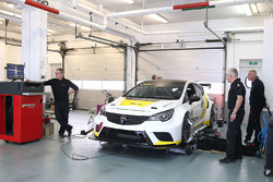 tcr-opel-astra-testing-2015-opel-astra-t