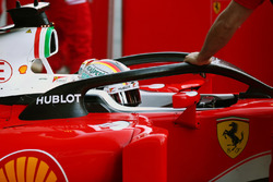 Sebastian Vettel, Ferrari SF16-H mit Halo-Cockpit-Cover