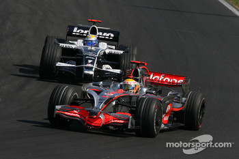 Lewis Hamilton, McLaren Mercedes, MP4-23 leads Nico Rosberg, WilliamsF1 Team, FW30