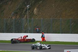 Kimi Raikkonen, Scuderia Ferrari retires from the race after a crash