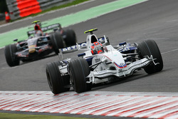 Robert Kubica, BMW Sauber F1 Team, F1.08 leads Sebastian Vettel, Scuderia Toro Rosso, STR02