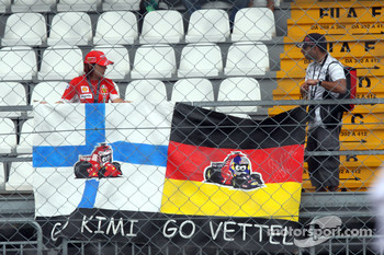 Fans of Sébastien Bourdais and Kimi Raikkonen