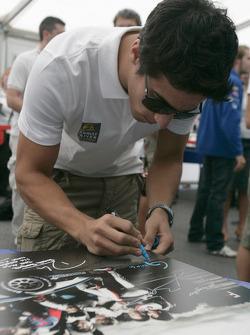 Formula One and GP2 Drivers unite for solidarity: Lucas di Grassi