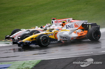 Adrian Sutil, Force India F1 Team, Nelson A. Piquet, Renault F1 Team