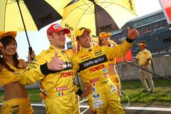 GT500 winners Ronnie Quintarelli and Naoki Yokomizo
