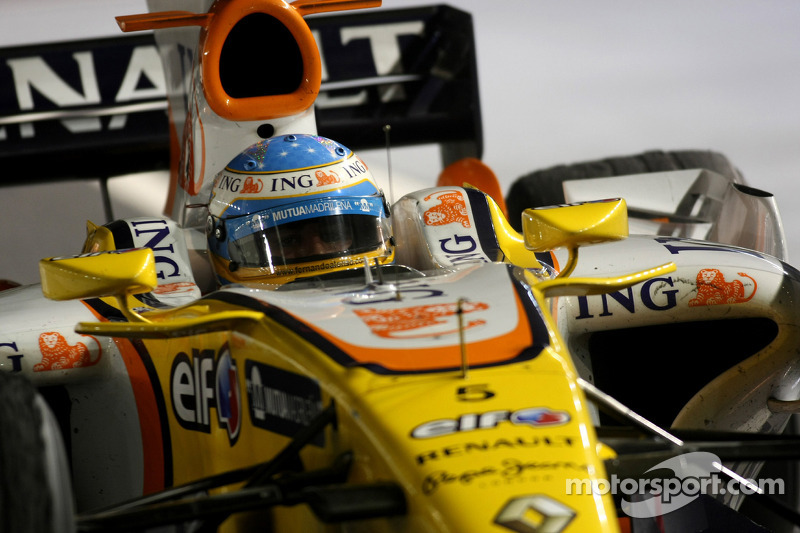 Race winner Fernando Alonso