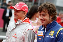 Heikki Kovalainen, McLaren Mercedes, Fernando Alonso, Renault F1 Team