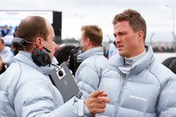 Race engineer Michael Schauer and Ralf Schumacher, Mücke Motorsport AMG Mercedes