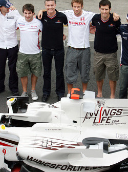 Wings For Life Livery Red Bull Racing David Coulthard photoshoot: Robert Kubica, Timo Glock, David Coulthard, Jenson Button, Mark Webber and Kazuki Nakajima